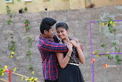 Vasthunadu Movie Stills-thumbnail-1