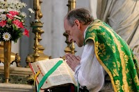 """Sacristy Tips: """"Every Jot and Tittle"""" (Or On the Colour of Missal Ribbons and Liturgical Time)"""