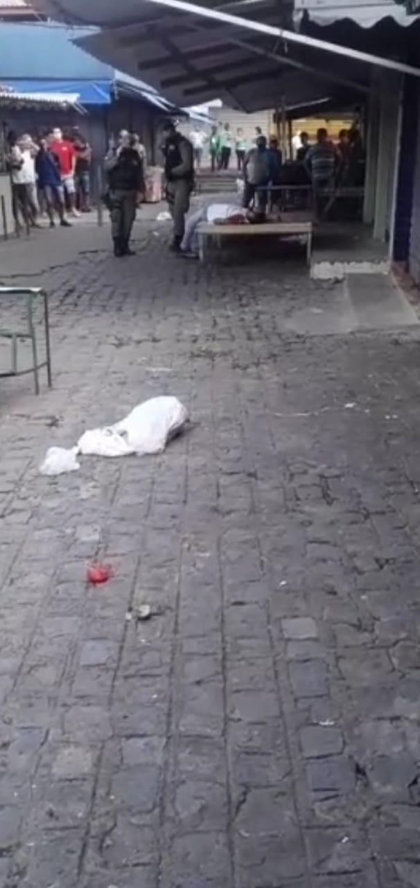 Plantão -  Homicidio nesse exato momento no parque (18),de maio em Caruaru