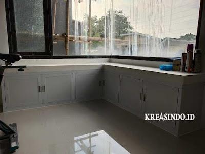 Pintu Emergency, Kichen Set Aluminium dan Partisi Kaca Cermin pemasangan di Rumah Bu Firza GDC Depok