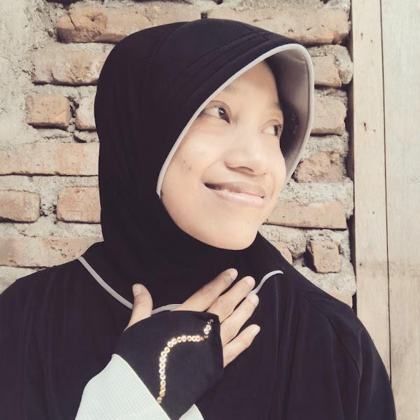 Tampil Syar'i dan Anggun Sebagai Muslimah dengan IndBlack