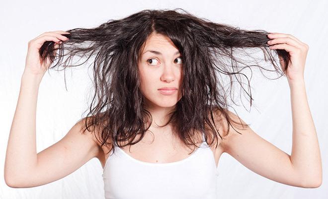 Tập quen sử dụng Co-washing tóc bạn sẽ hết sơ và gãy