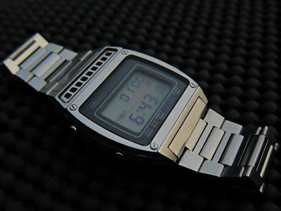 Seiko digital alarm chronoraph ini produksi September 1980 dimana era jam  quartz dan digital tengah merajalela pada tahun-tahun tersebut 74d4e9615f