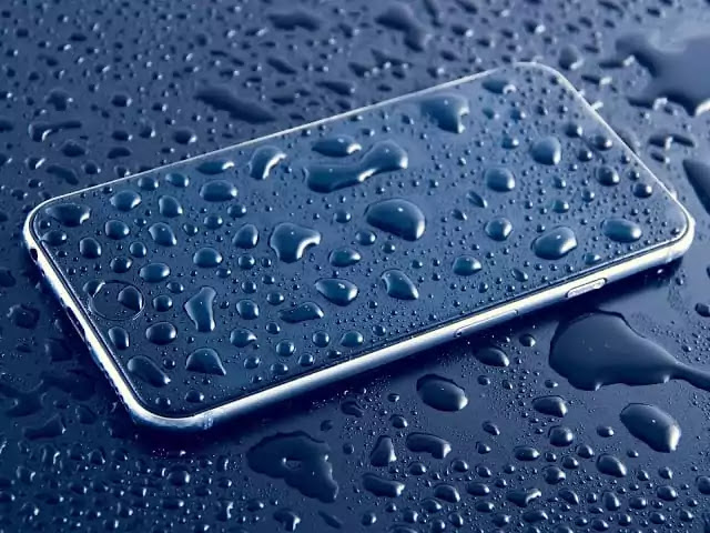 How-To-Clean-Your-Smartphone