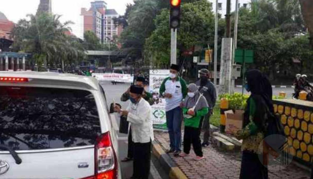 LAZISNU Kota Malang Bagikan Hand Sanitizer Dan Kampanye Lawan Covid-19