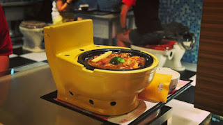 What! Food Serve In Toilet Bowl and Various Random and Amazing Facts in Hindi - BeawareYT