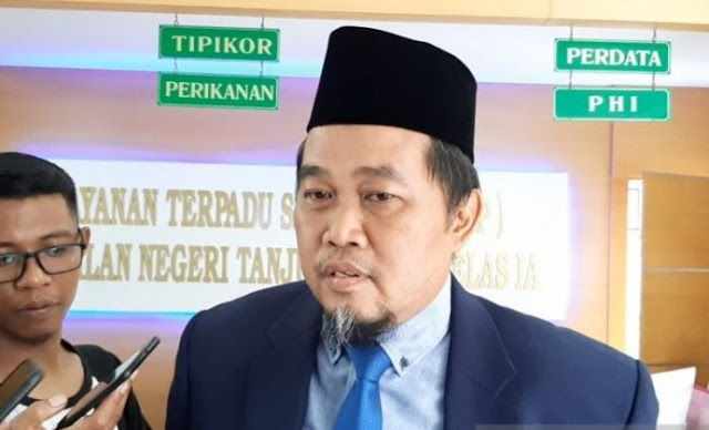 Judicial Review Perppu Corona Ditolak, Ini Kata Boyamin Saiman