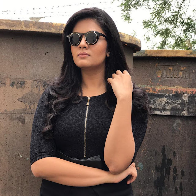 Anchor Sreemukhi Latest Photoshoot for Pataas TV Show