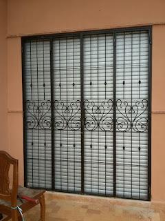 Grilles de protection en fer forgé, fenêtre,