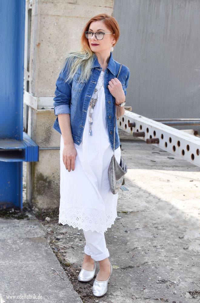 Tchibo White and Blue, weiße Jeans, blaue Jeansjacke