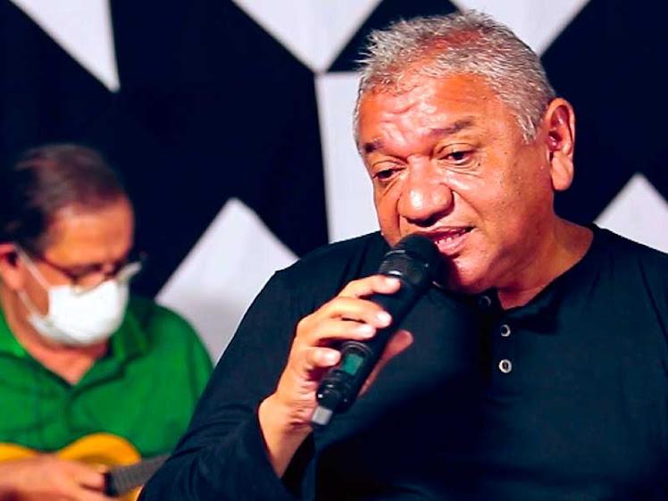 Zeca do Cavaco apresenta o show Samba da Minha Terra