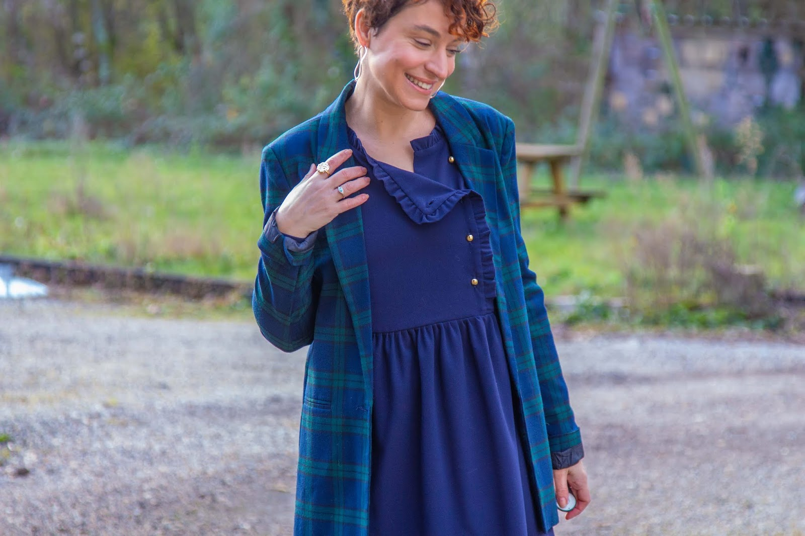 look-bleu-marine-et-imprime-tartan