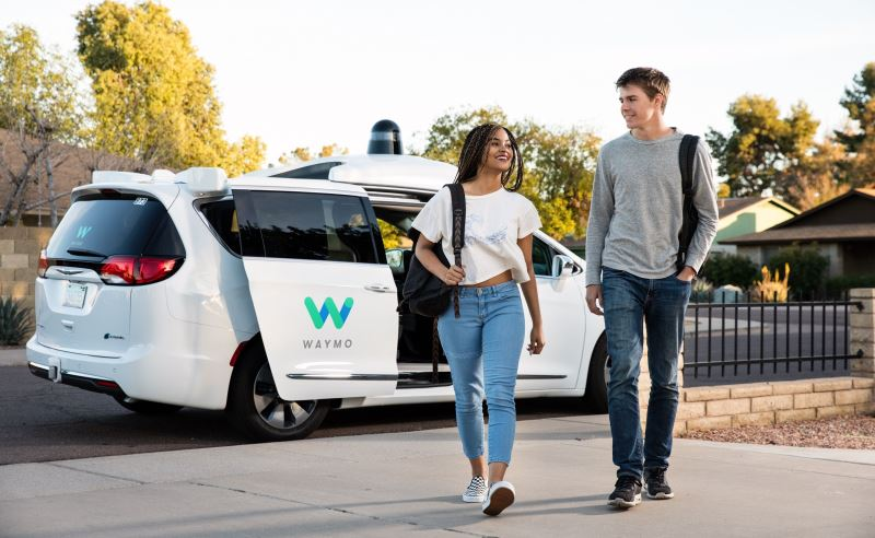 Taksi Tanpa Sopir akan Tersedia di Phoenix 'Dalam Beberapa Minggu'