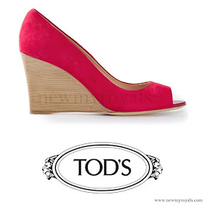 Princess Marie Style - Tod's Peep Toe Wedge Pump in Red