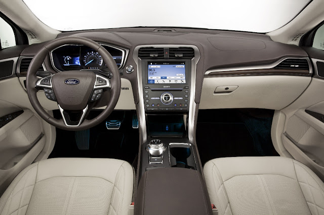Interior view of 2017 Ford Fusion Energi