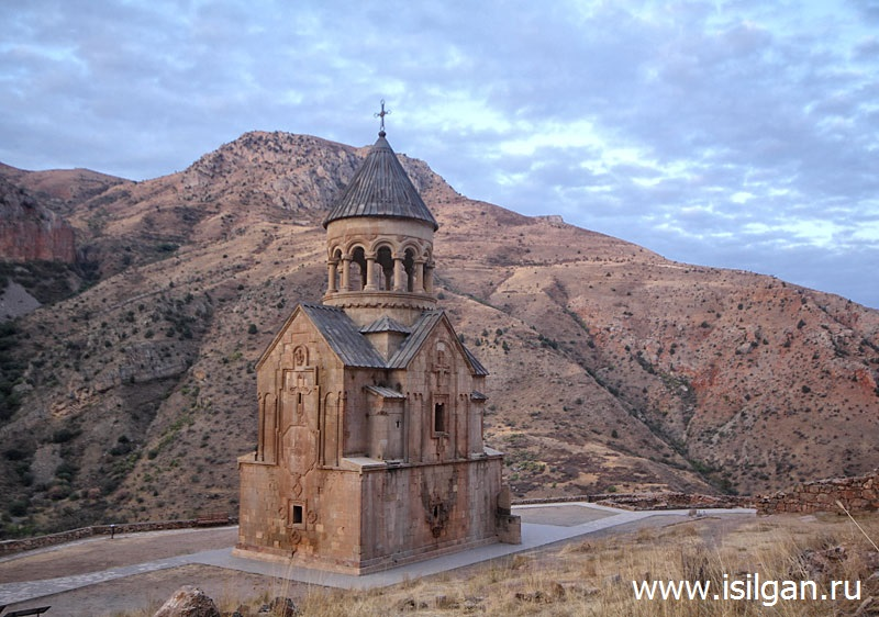 Monastyr-Noravank-Armeniya