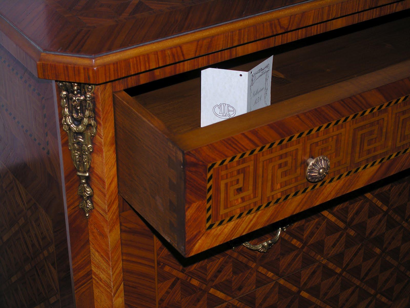 Arredo e design m i a mobili intarsiati artistici for Arredamento raffinato e mkt