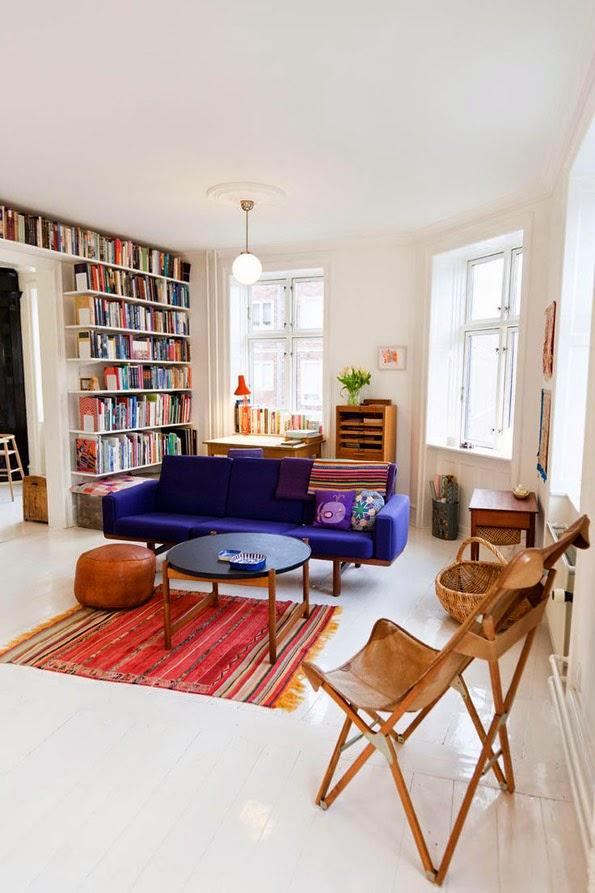 Ksi ki w salonie apetyczne wn trze blog wn trza design for Biblioteczka w salonie