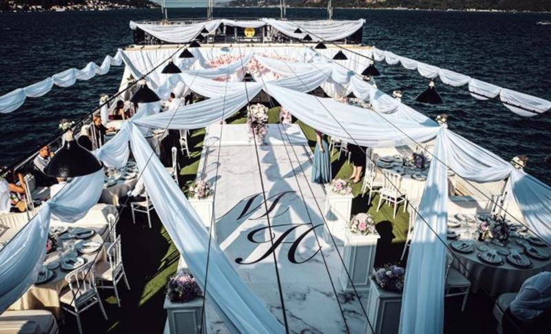 İstanbul Teknede Düğün