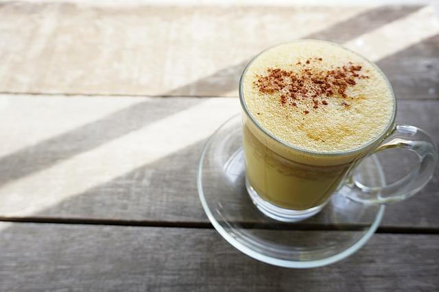 इम्यूनिटी पावर बढ़ाना है तो हल्दी वाला दूध पिया