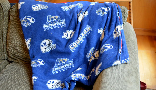 how to make a byu fleece blanket
