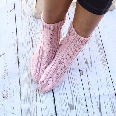 https://www.etsy.com/listing/522225841/hand-knit-socks-cable-knit-socks-bed?ref=shop_home_active_22
