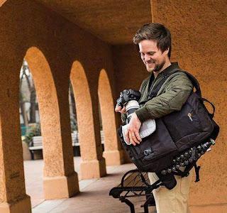 Tas Backpack Lowepro Fastpack, Bisa diakses dari samping