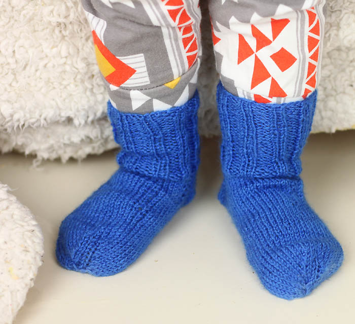 Knitting Pattern Childrens Socks Free : Ribbed Toddler Socks Free Knitting Pattern - Gina Michele