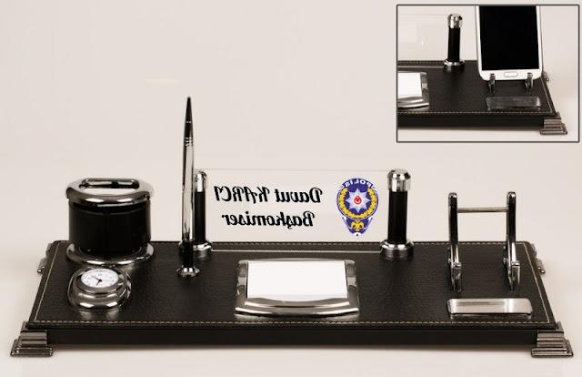 polise özel masa isimliği