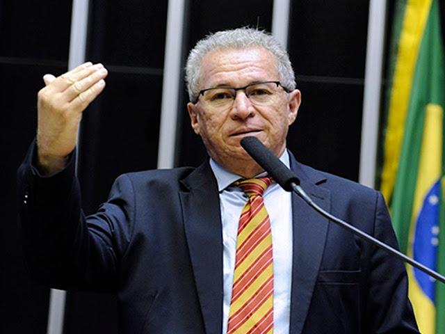 DEPUTADO FEDERAL ASSIS CARVALHO (PT-PI) MORRE APÓS SOFRER INFARTO EM OEIRAS-PI