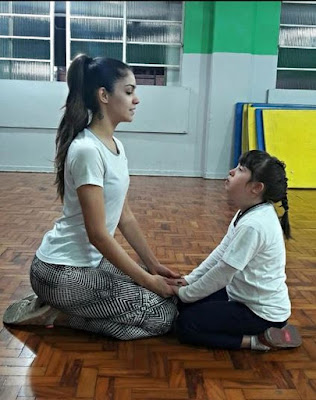 Bailarina Juliana Acácio na época em que dava aula para a aluna Carol