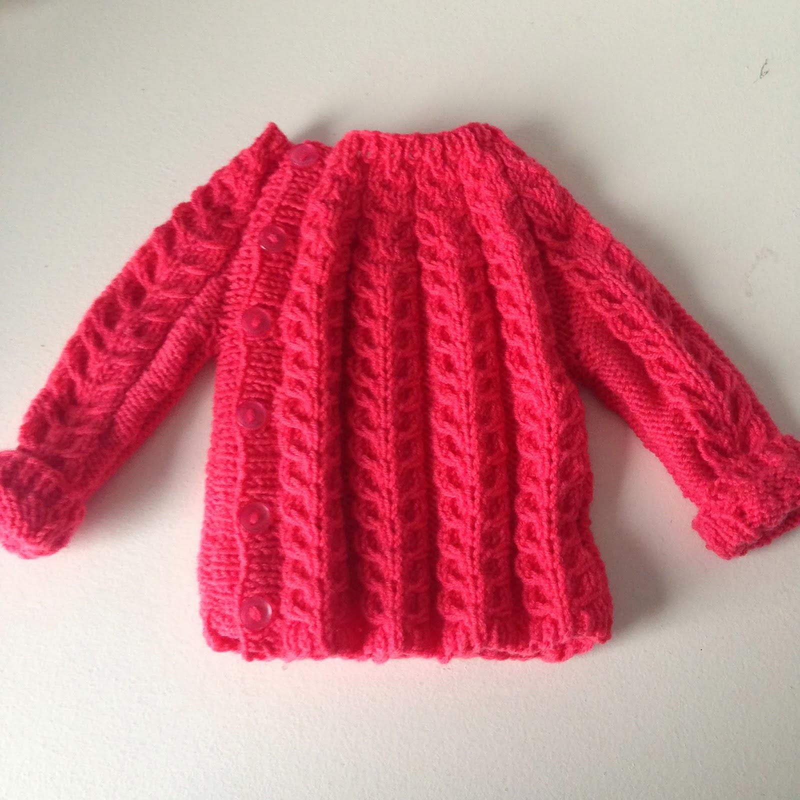 Design by Dalkær: Strikket babytøj (og link til en masse gratis opskrifter..)