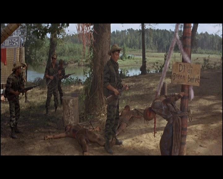 Vista como una simple película de acción con John Wayne 7b41540f5b5