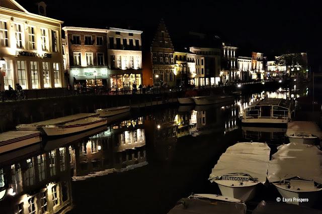 Um passeio noturno em Gand é uma experiência mágica !