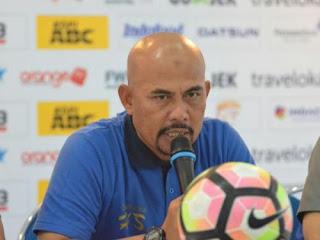 Komentar Pelatih Persib Bandung tentang Hasil Imbang Kontra Madura United