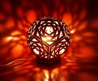 Cara Membuat Lampu Hias Geomterik dari Kardus - CaraTekno
