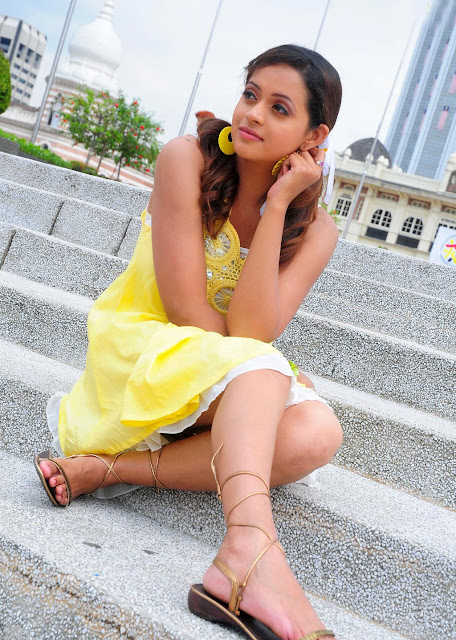 Malayalam hot actress bhavana latest news photos