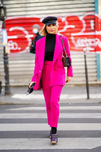 Moda en rosa primavera 2021 conjunto rosa