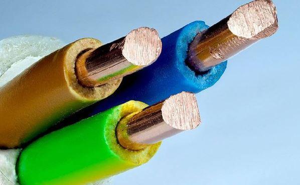 ما هي النواقل الكهربائية وانواعها