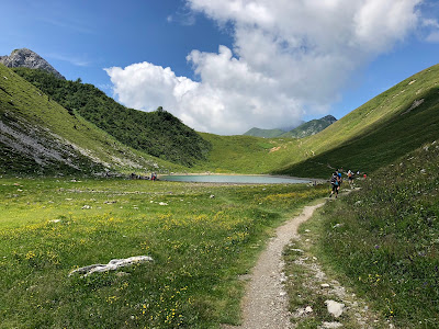 Approaching Lago Branchino and heading toward Passo Branchino.