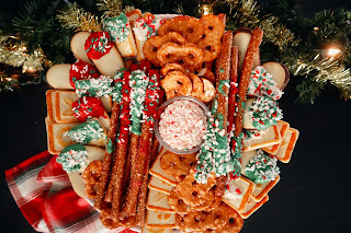 christmas cookie board