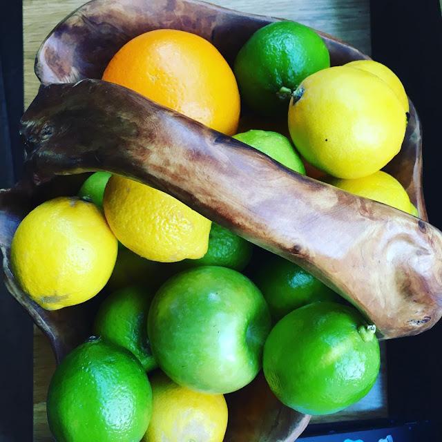 Minum air jeruk untuk mengecilkan perut