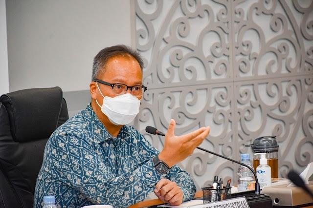 Peringati Hari Batik Nasional, Menperin: Pakai Batik Itu Asyik