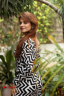 Actress Saloni Latest Pos in Short Dress  0100.JPG