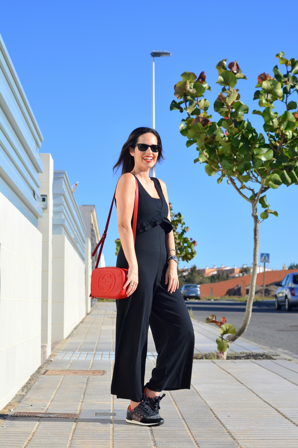 zara-black-jumpsuit-look-sporty