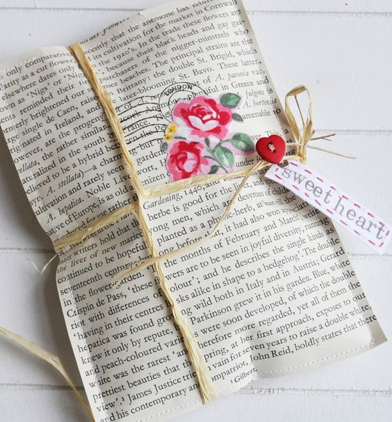 Getcreative use newspaper for gift wrapping bling sparkle would you wrap a gift for someone using newspapers negle Gallery