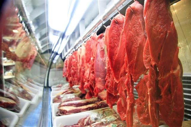Estabelecimentos já registram queda nas vendas e preço da carne fica mais em conta