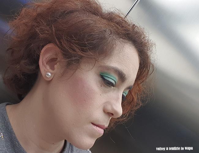 Maquillaje en tonos verdes de acabado mate