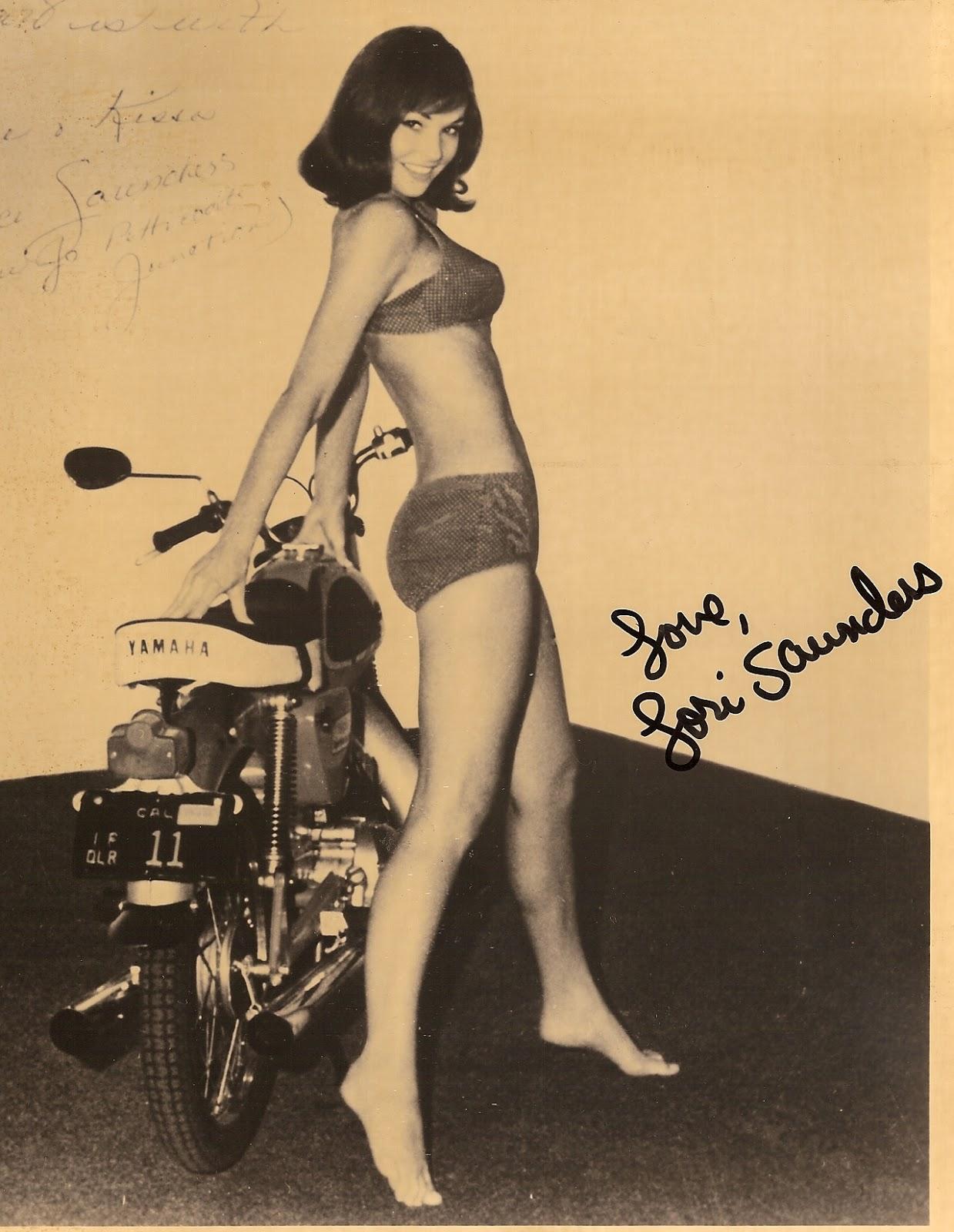 A Slice of Cheesecake: Lori Saunders, bikini girl!