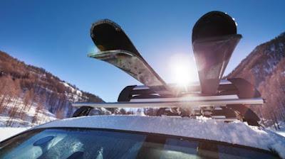 Autós sítartók a sílécek és deszkák egyszerű és biztonságos szállításához